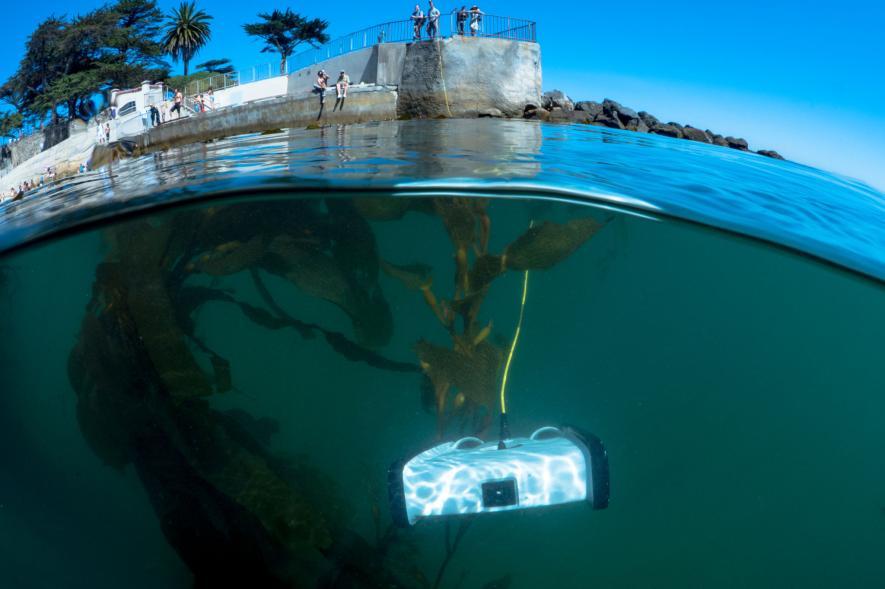 โดรนใต้น้ำ