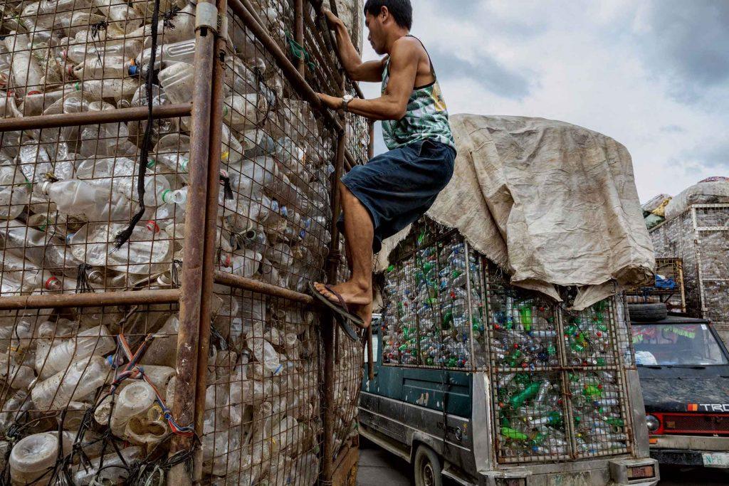 พลาสติกล้นโลก
