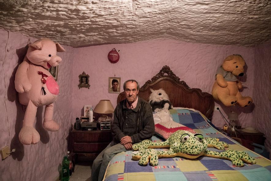 ชีวิตในถ้ำ ห้องนอนในถ้ำ