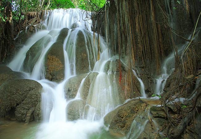 น้ำตกไดช่องถ่อง, ที่เที่ยวสังขละบุรี, สังขละบุรี, กาญจนบุรี