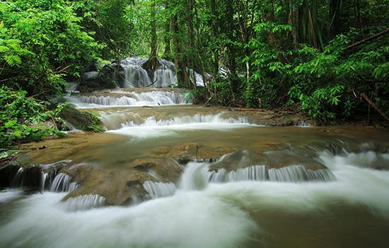 น้ำตกกระเต็งเจ็ง, ที่เที่ยวสังขละบุรี, อุทยานแห่งชาติเขาแหลม, สังขละบุรี, กาญจนบุรี