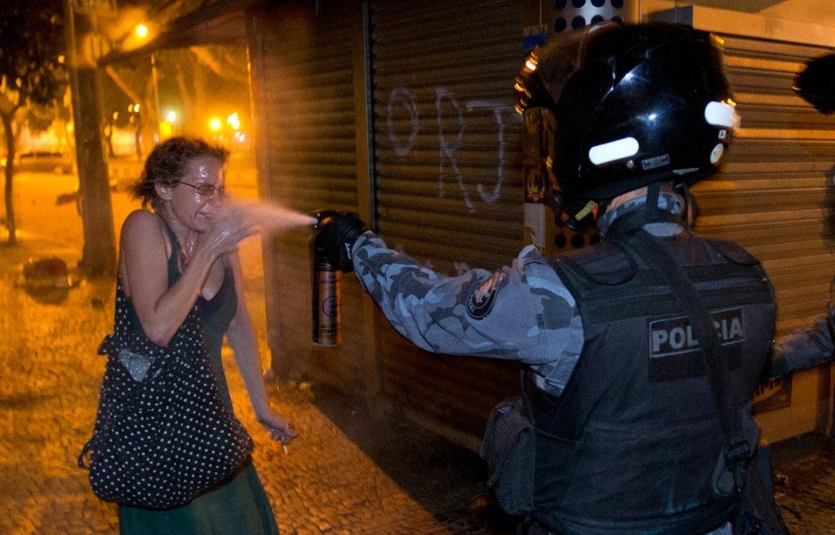 แก๊สน้ำตา, บราซิล
