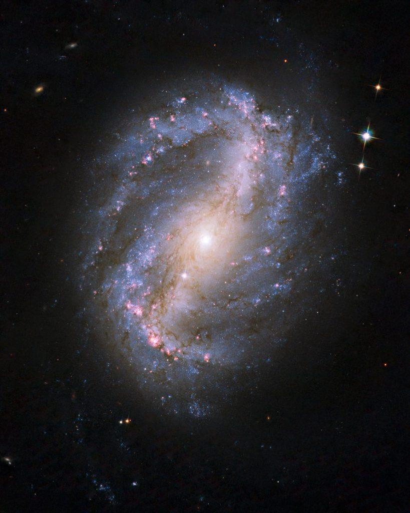 กาแลกซี, เนบูลา, จักรวาล