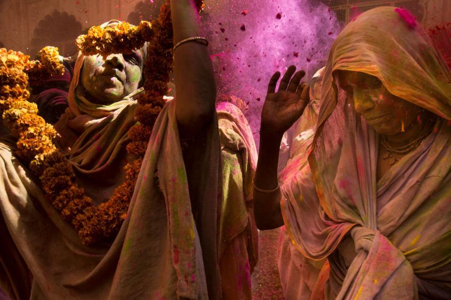 ช่างภาพหญิง, หญิงม่ายอินเดีย, เทศกาลโฮลี