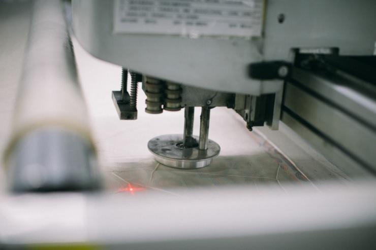 เศษผ้า, เศรษฐกิจหมุนเวียน, โรงงานผลิตเสื้อผ้า, โรงงานจีน, ปราดา