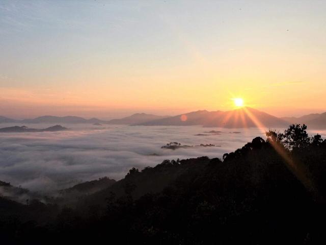 ฮาลา-บาลา, ทะเลหมอก, ยามเช้า, พระอาทิตย์ขึ้น