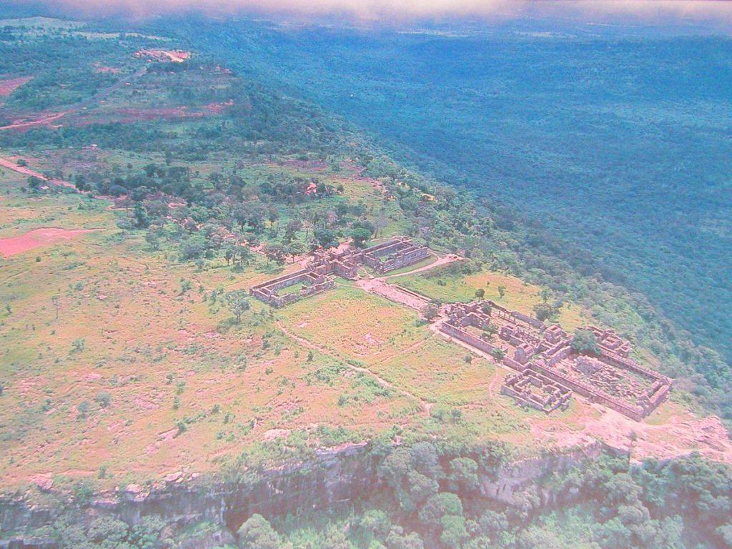 ปราสาทพระวิหาร, เขาพระวิหาร, ไทย, กัมพูชา