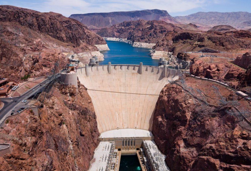 งานและพลังงาน, พลังงานน้ำ, เขื่อน