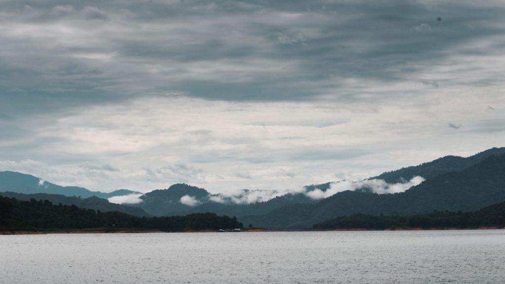 เกาะป็อบคอร์น. ท่องเที่ยว. เที่ยวยะลา, เขื่อนบางลาง