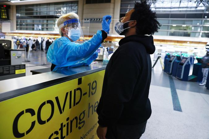 วัคซีนโควิด-19, ทดสอบโควิด, สนามบิน